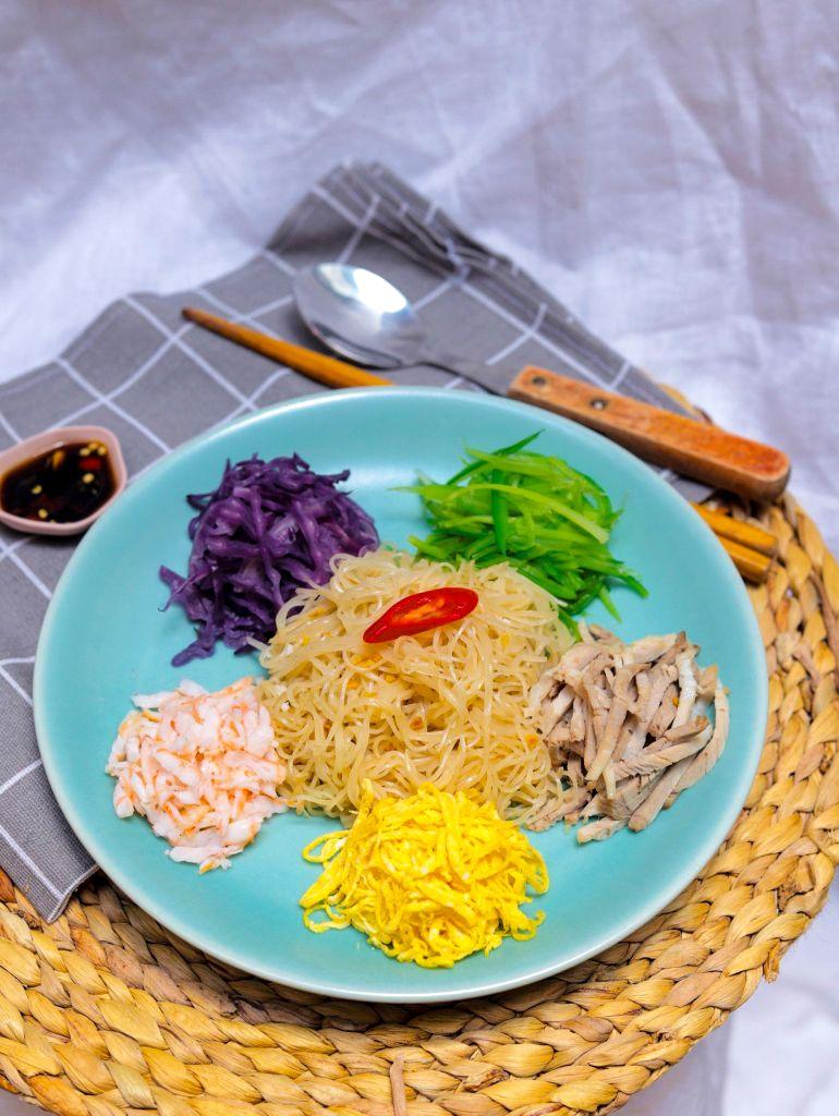 Hủ tiếu trộn ngũ sắc 1 Saigon Everywhereee – Hương vị từ gian bếp của mẹ
