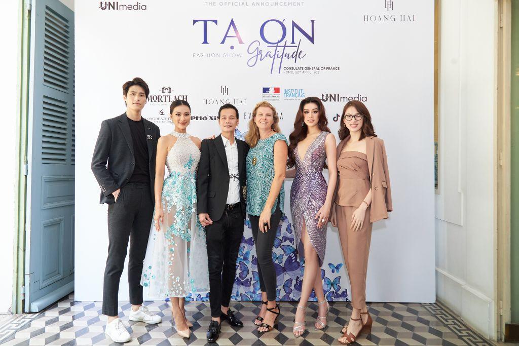NTK Hoàng Hải bắt tay đạo điễn Phạm Hoài Nam và Unimedia thực hiện show thời trang Tạ Ơn 1 NTK Hoàng Hải bắt tay đạo diễn Phạm Hoàng Nam và Unimedia thực hiện show thời trang Tạ Ơn