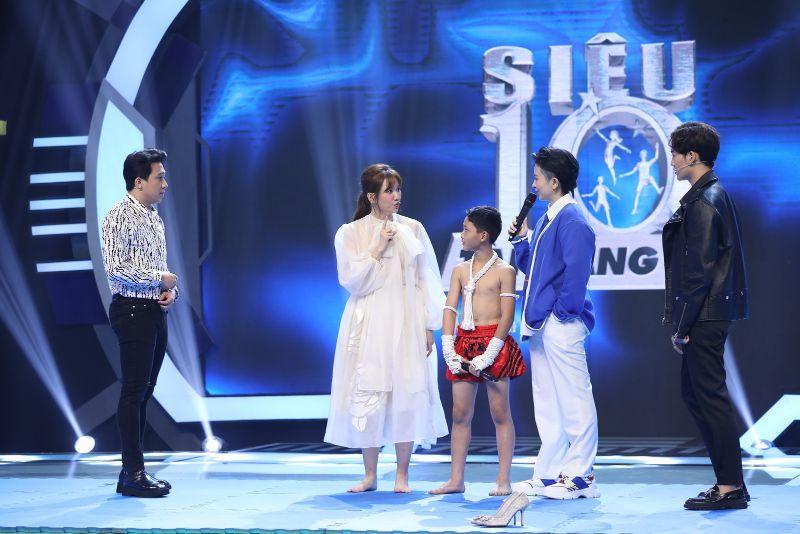 Siêu Tài Năng Nhí 2 Hari Won mặc váy trắng lao thẳng nốc ao Trấn Thành khiến khán giả ngỡ ngàng