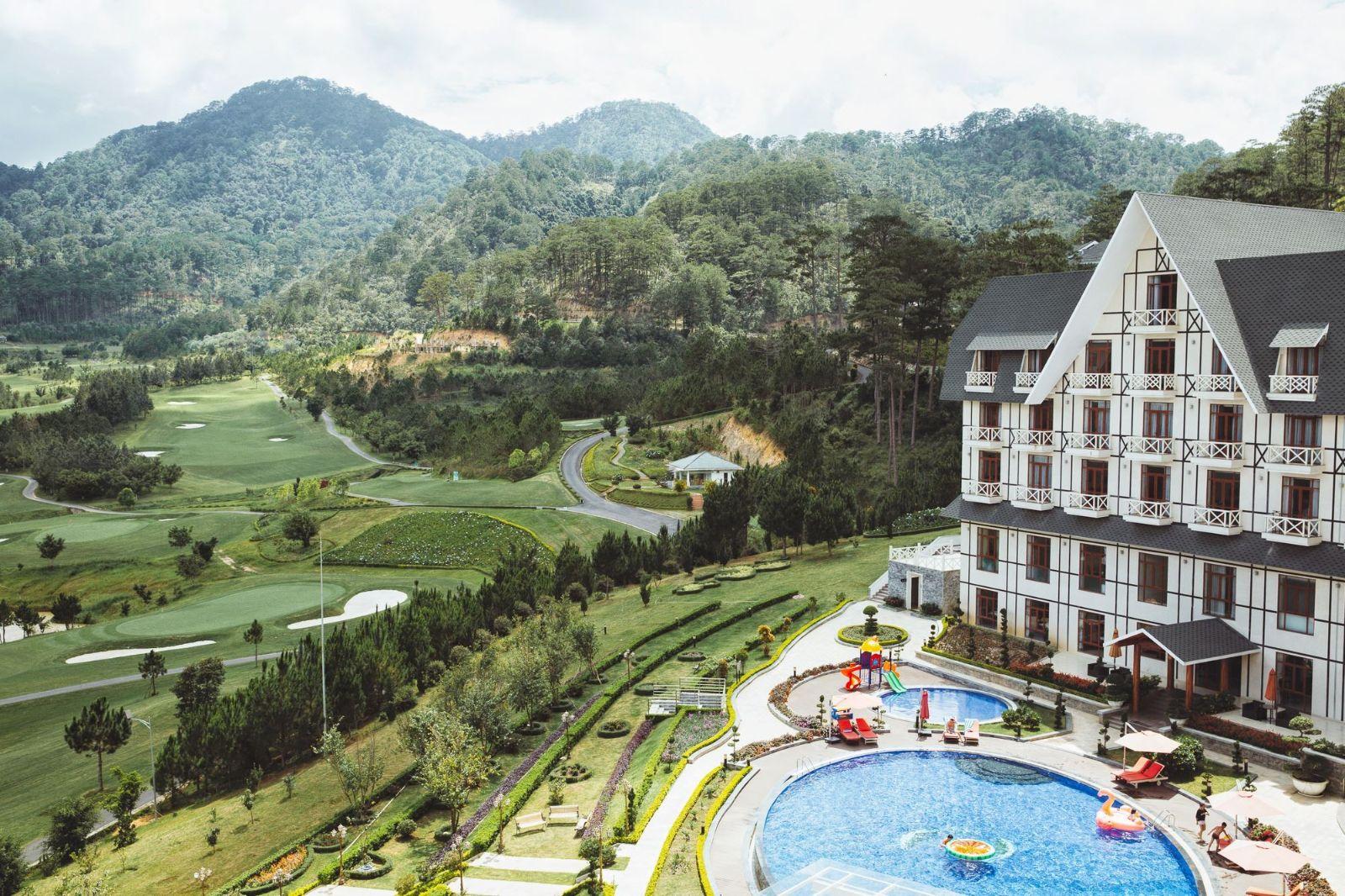 khach san da lat 5 Điểm danh những khách sạn Đà Lạt dành cho các tín đồ mê cảnh sắc nước non