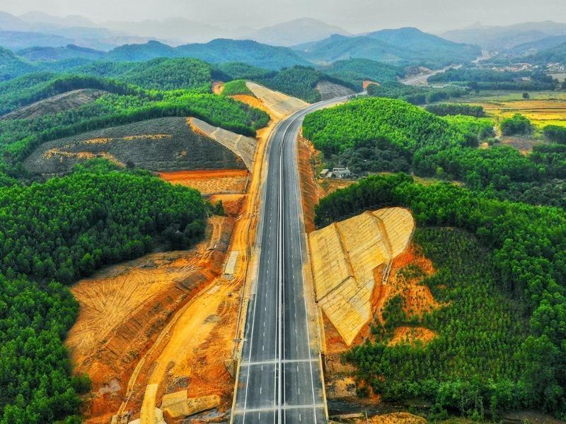 Đề xuất quy hoạch 42 tuyến cao tốc trên toàn quốc đến năm 2030