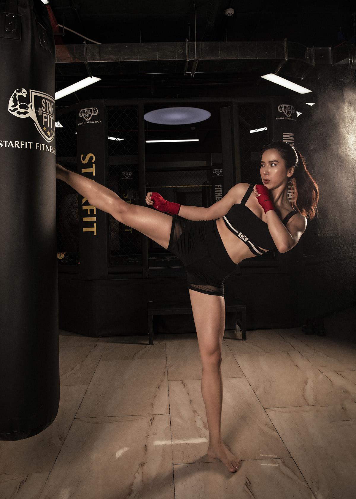 Bella Mai13 Trở lại với boxing, Bella Mai khoe cơ bụng số 11 săn chắc, quyến rũ