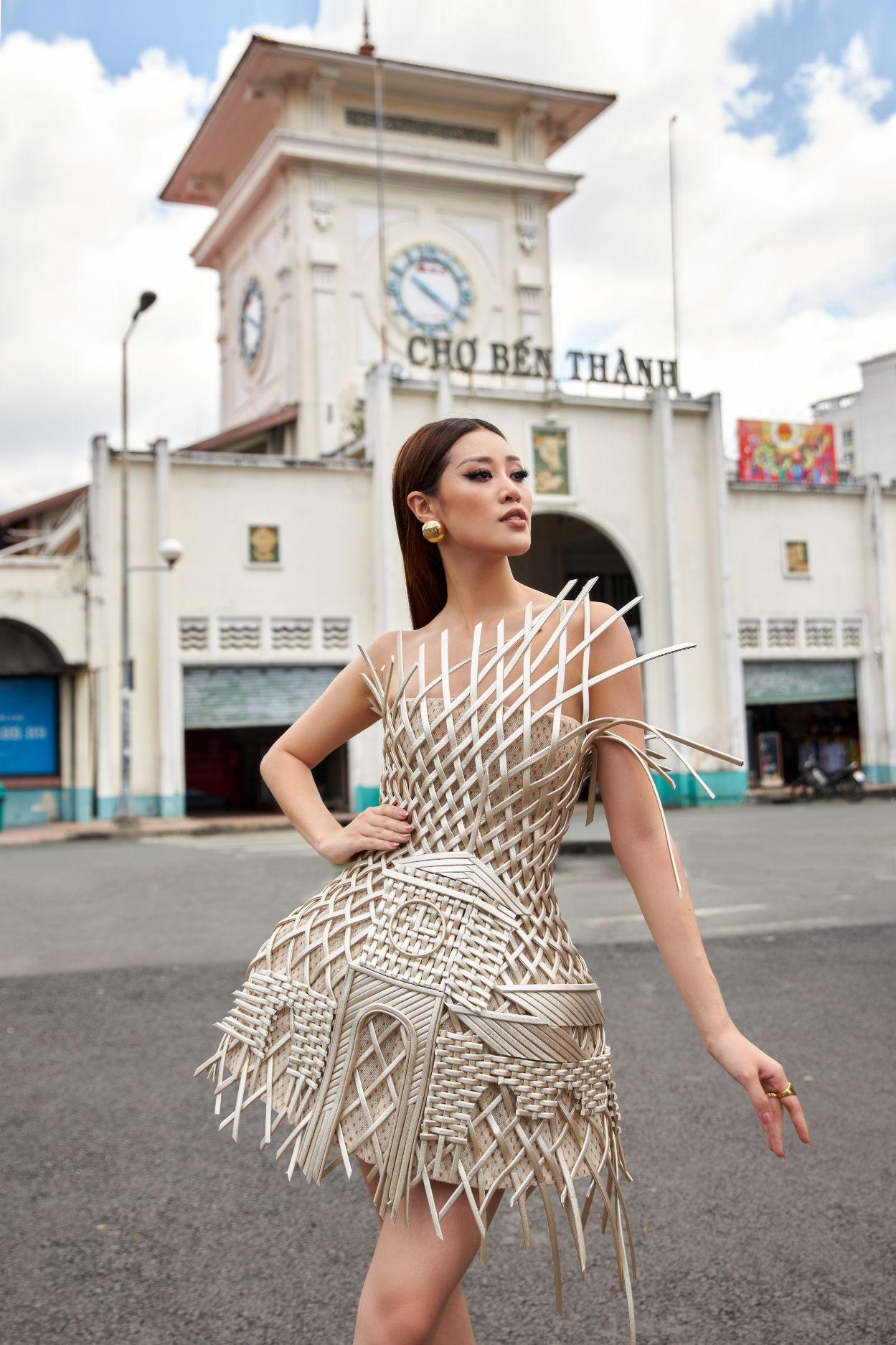 Hoa hau Khanh Van5 Hoa hậu Khánh Vân quảng bá TP.HCM thông qua trang phục tại Miss Universe