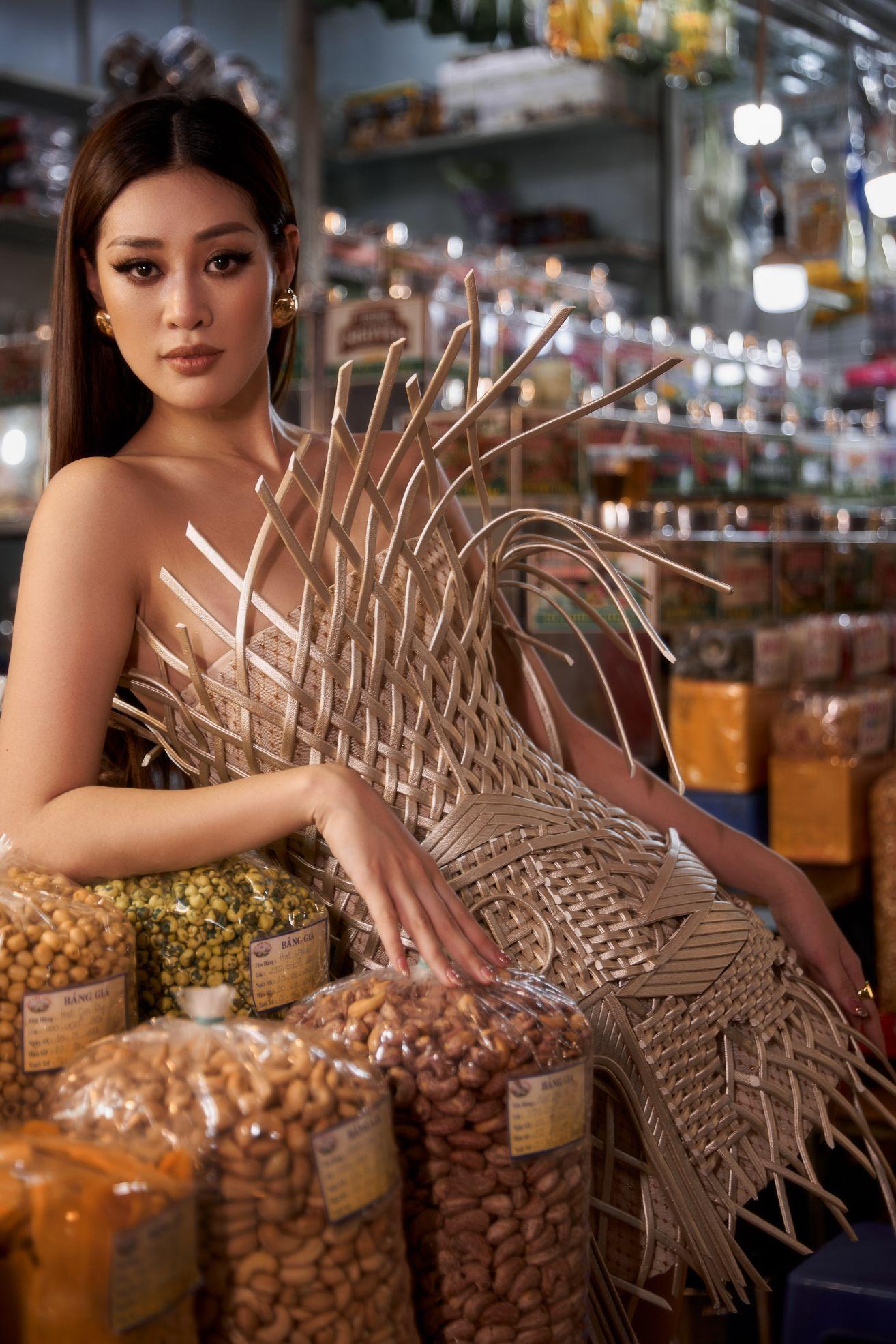 Hoa hau Khanh Van9 Hoa hậu Khánh Vân quảng bá TP.HCM thông qua trang phục tại Miss Universe