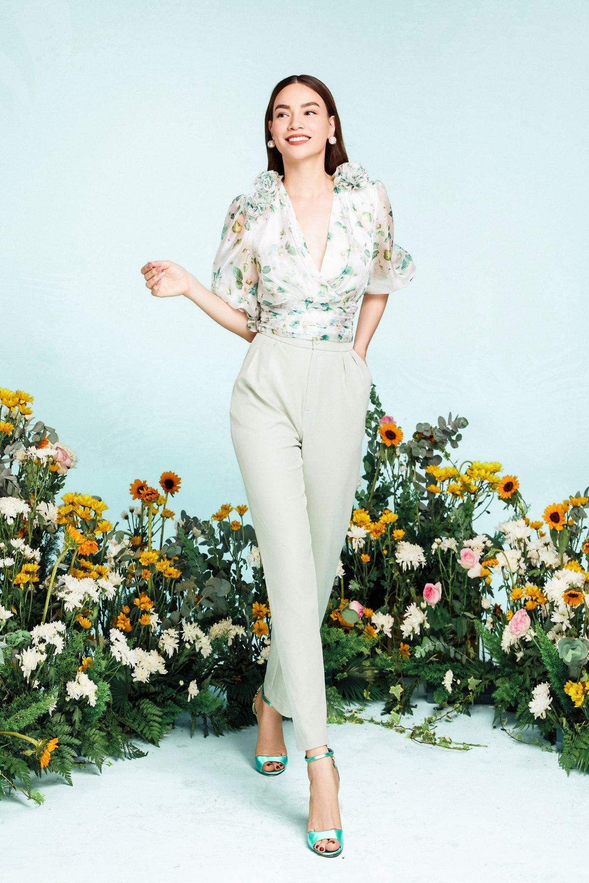 NEVA2378 Hồ Ngọc Hà xuất hiện lung linh trong BST mới của NEVA Fashion