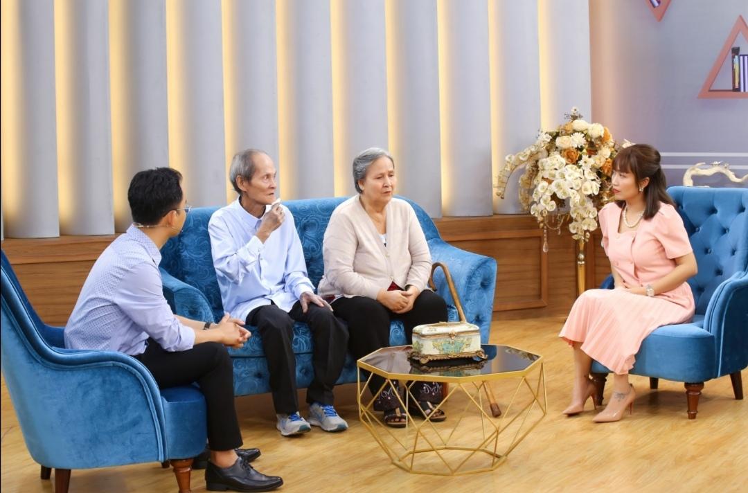 Screenshot 20210528 220823 MC Ốc Thanh Vân cảm phục cuộc hôn nhân dài nửa thế kỉ của cặp đôi yêu nhau từ cái nhìn đầu tiên