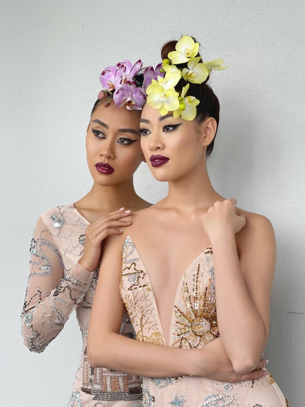Screenshot 20210530 135230 Hậu trường bộ ảnh đặc biệt tại Mỹ: Hoa hậu Khánh Vân kết hợp cùng Hoa hậu Malaysia