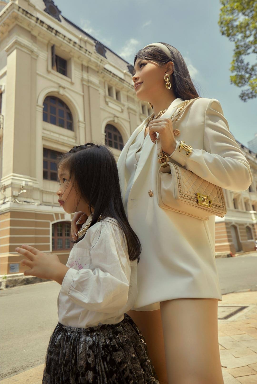 """Screenshot 20210531 093955 Khoe bộ ảnh mới cùng con gái, fan trầm trồ trước nhan sắc của """"hot mom"""" Diễm Trang"""