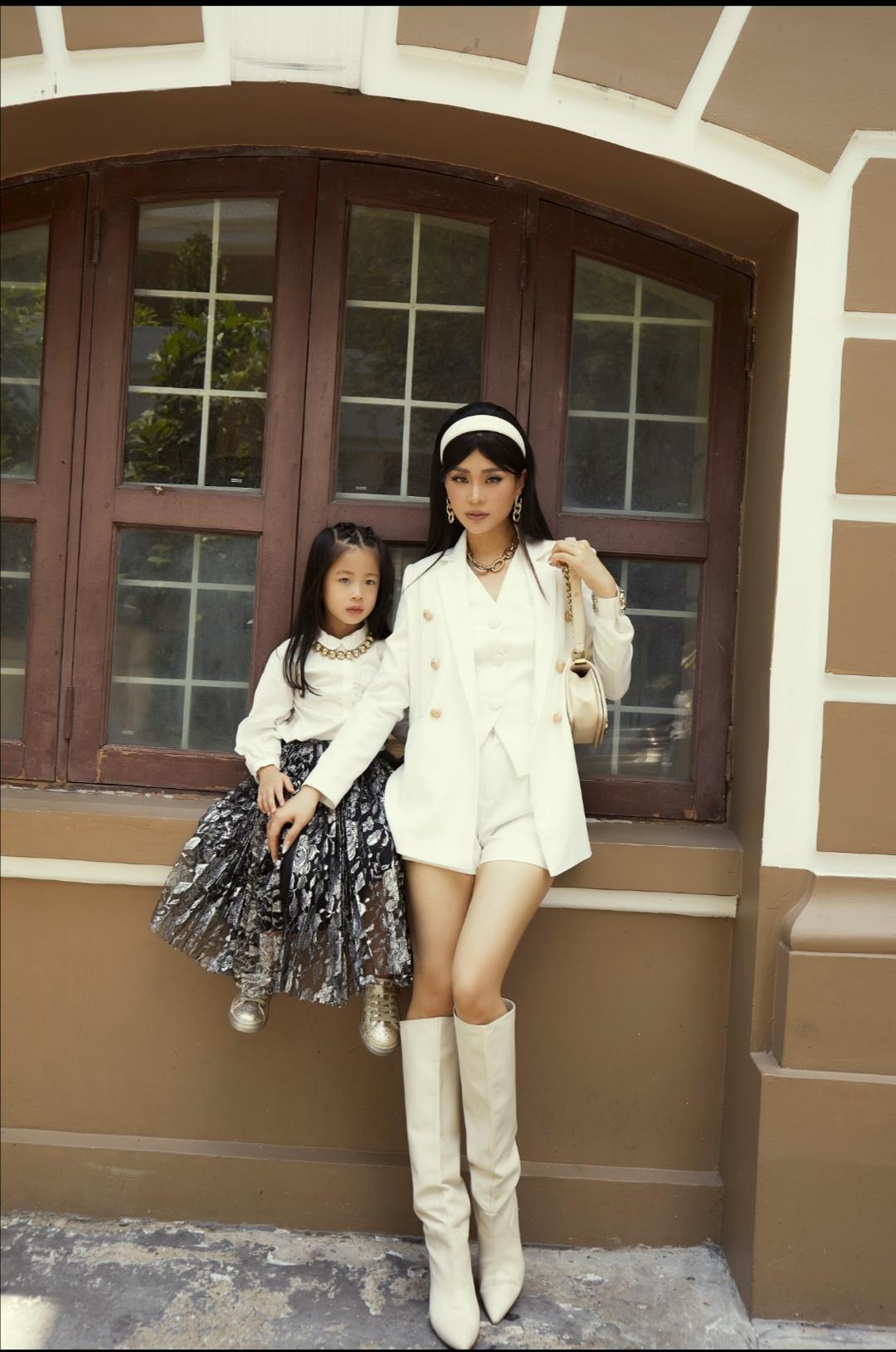 """Screenshot 20210531 094004 Khoe bộ ảnh mới cùng con gái, fan trầm trồ trước nhan sắc của """"hot mom"""" Diễm Trang"""