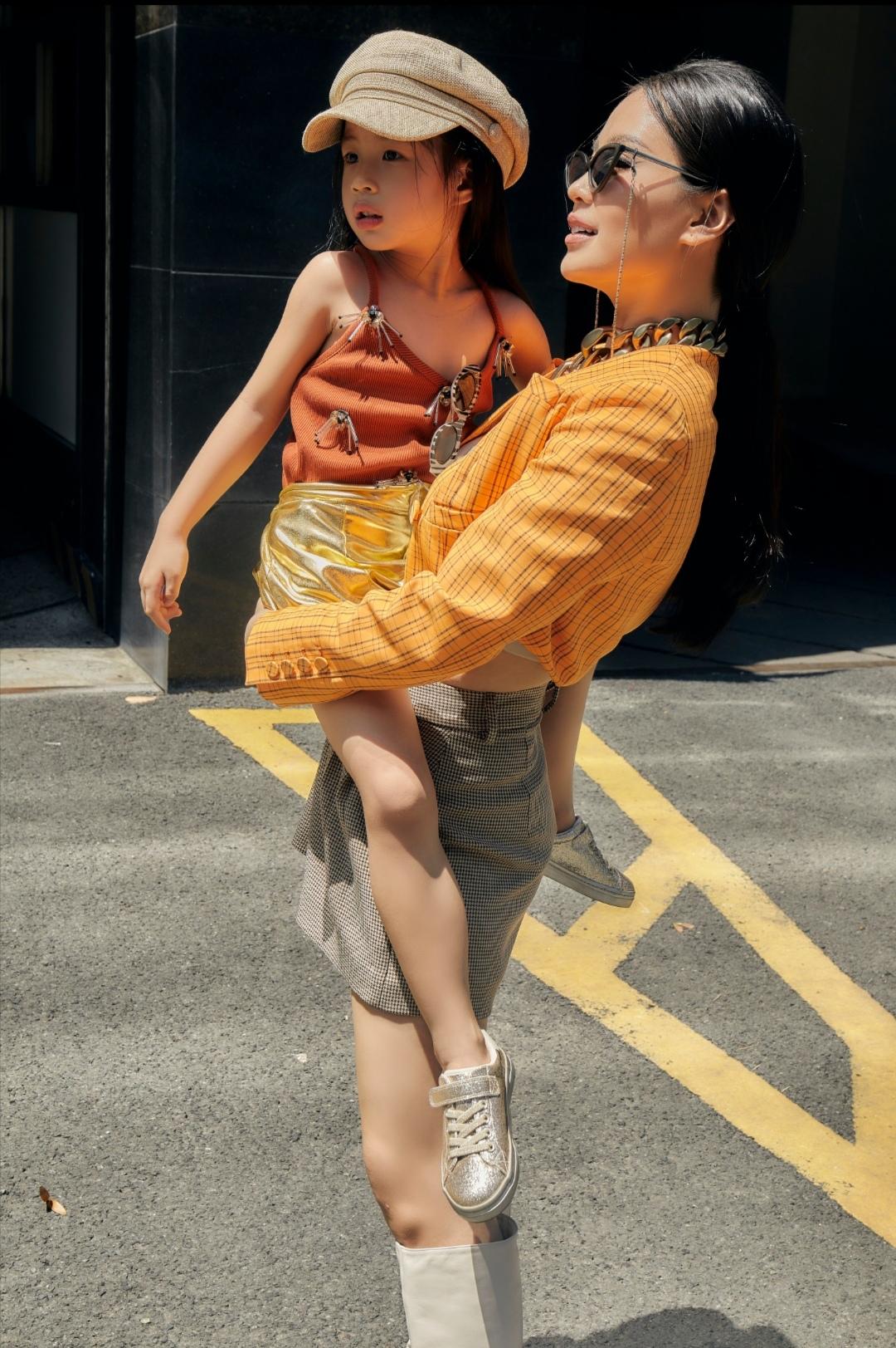 """Screenshot 20210531 094046 Khoe bộ ảnh mới cùng con gái, fan trầm trồ trước nhan sắc của """"hot mom"""" Diễm Trang"""