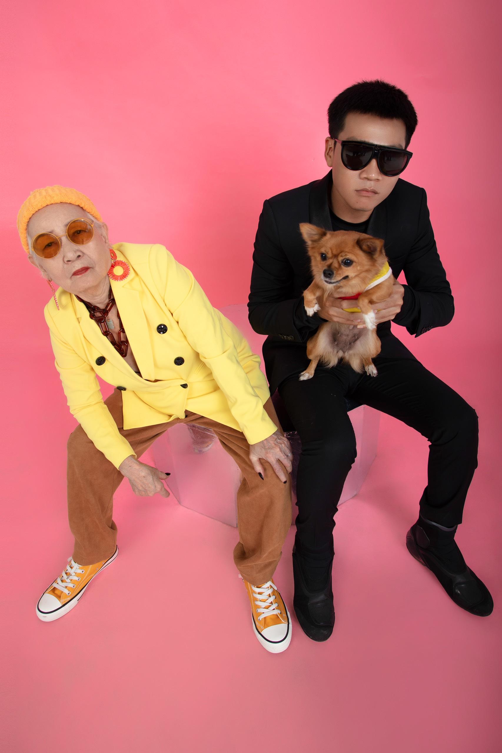 1. Wowy và bà Ngoại1 Rapper Wowy lu mờ khi chụp ảnh cùng bà ngoại U80 siêu ngầu