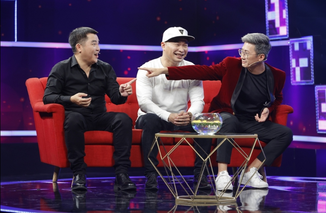 """Screenshot 20210602 144803 Khả Như cười lăn lộn với màn """"tấu hài"""" cực mạnh của nhóm MTV"""