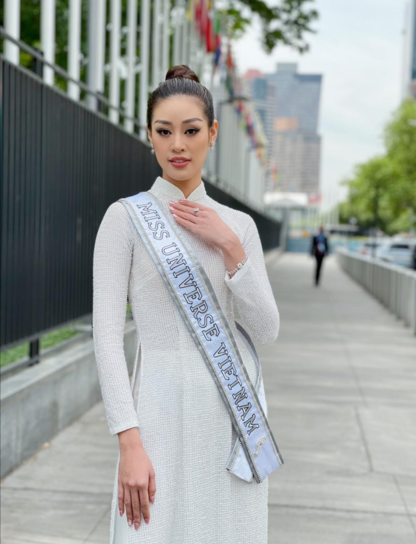 Screenshot 20210602 163941 Hoa hậu Khánh Vân diện áo dài trắng, khoe dáng giữa nước Mỹ