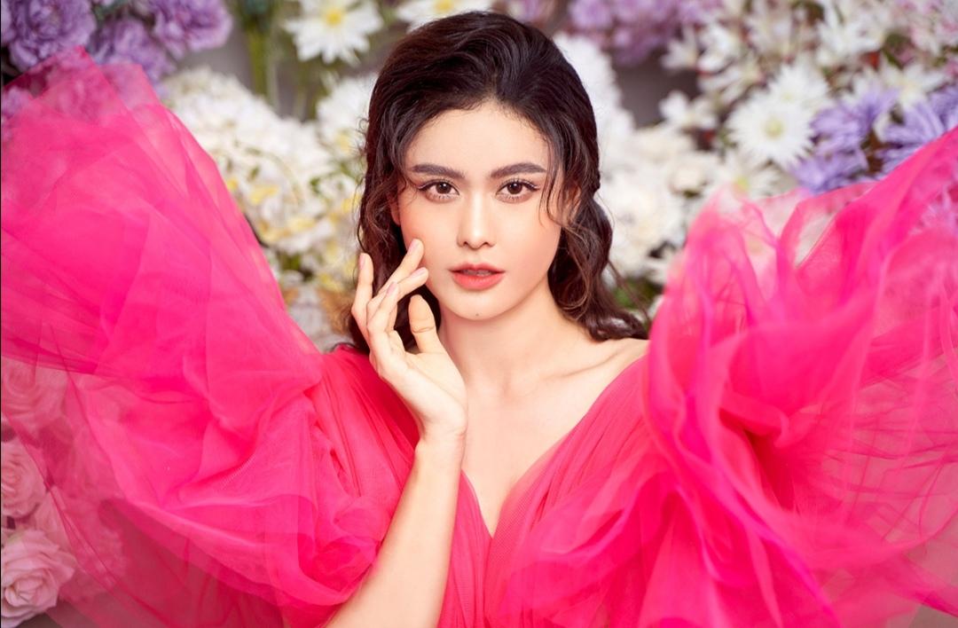 Screenshot 20210611 103023 Trương Quỳnh Anh khoe trọn lưng trần, vẻ sexy, mong manh trong bộ ảnh mới