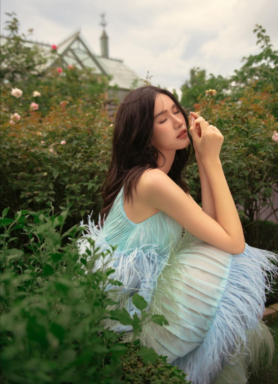 Screenshot 20210614 091515 Á hậu Phương Anh tung bộ ảnh dịu dàng, thanh lịch chuẩn phong thái Miss International mừng tuổi 23