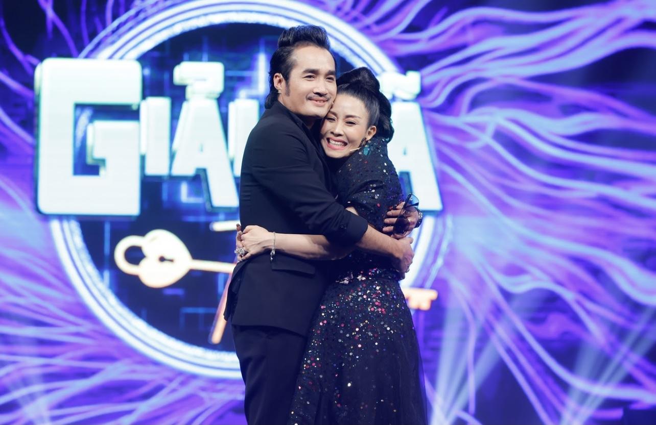 Nghệ sĩ Kiều Oanh tiết lộ kỷ vật định tình cùng ông xã Hoàng Nhất