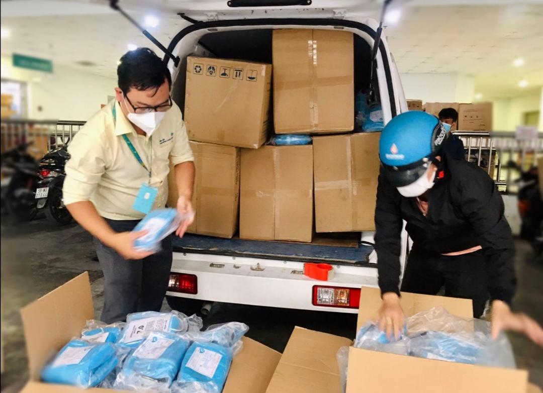 Screenshot 20210706 220934 VinaCapital Foundation trao tặng 1.174 bộ quần áo Thiết bị Bảo hộ Cá nhân cho Bệnh viện Nhi đồng TP. HCM