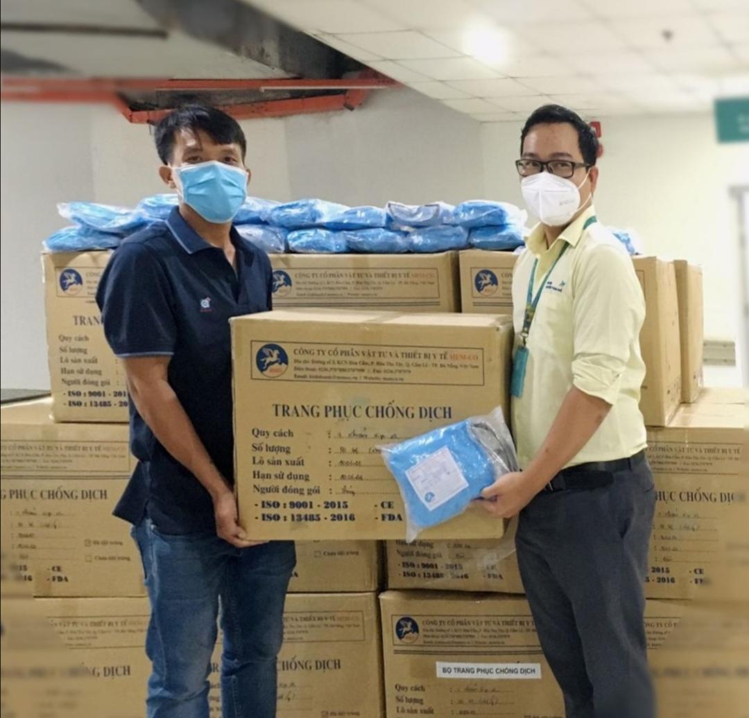 Screenshot 20210706 220944 VinaCapital Foundation trao tặng 1.174 bộ quần áo Thiết bị Bảo hộ Cá nhân cho Bệnh viện Nhi đồng TP. HCM