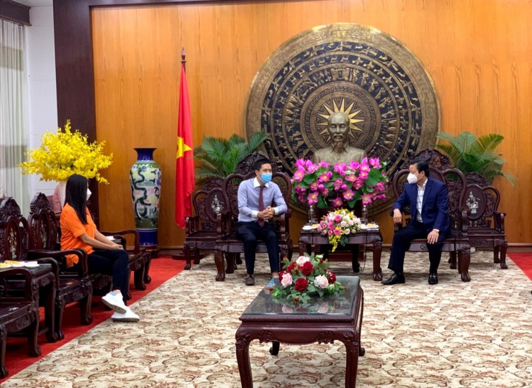 Screenshot 20210709 180753 Á hậu Kim Duyên và tổ chức Hoa hậu Hoàn vũ Việt Nam ủng hộ 100 triệu đồng cho quỹ vaccine tỉnh Long An