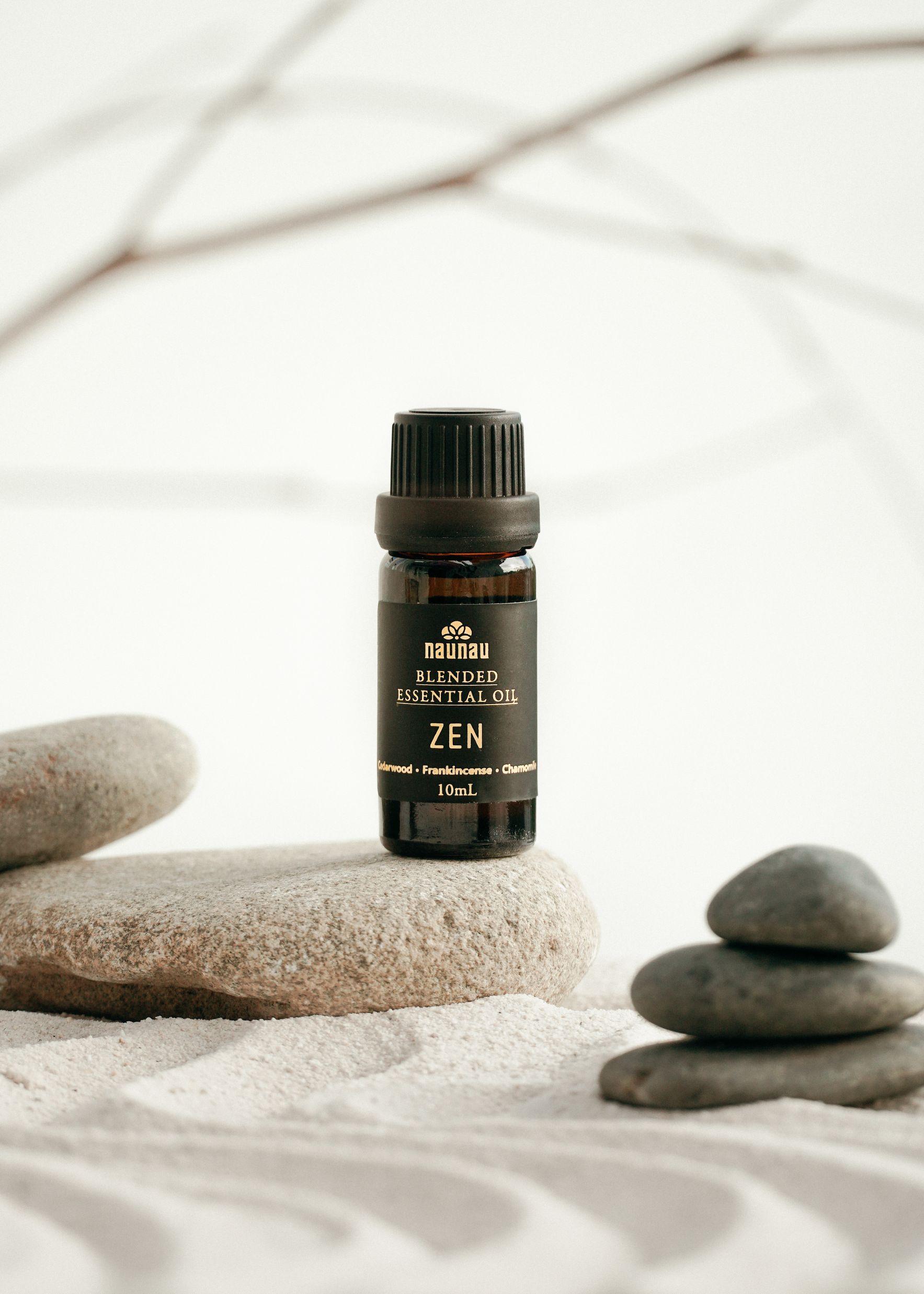 tinh dau NauNau 1 Cách nâng cao hệ miễn dịch, thanh lọc không gian sống bằng tinh dầu thiên nhiên