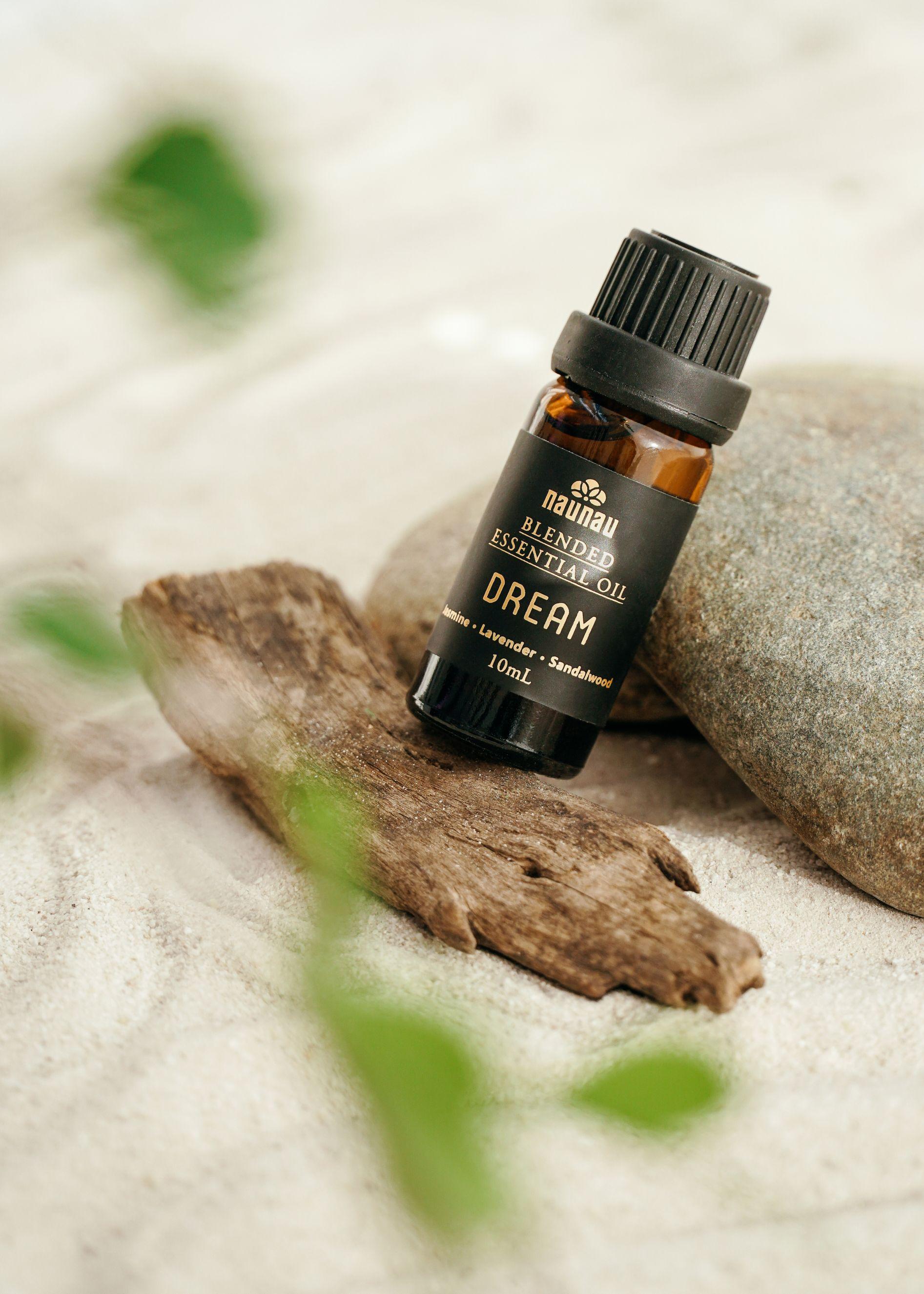 tinh dau NauNau 4 Cách nâng cao hệ miễn dịch, thanh lọc không gian sống bằng tinh dầu thiên nhiên