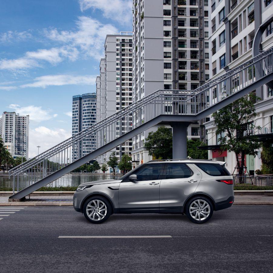 Discovery mới 4 Land Rover Discovery mới: Mẫu xe SUV đa dụng cao cấp dành cho gia đình